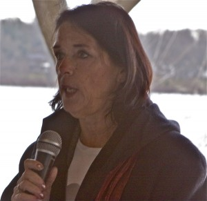 Lois Gibbs speaks at community rally (1/5/12)