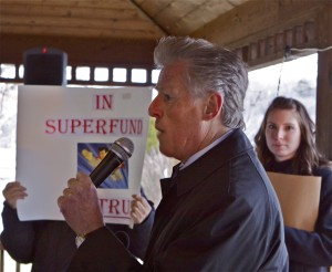 Jim Florio, sponsor of 1980 Superfund law, speaks at community rally (1/5/12)