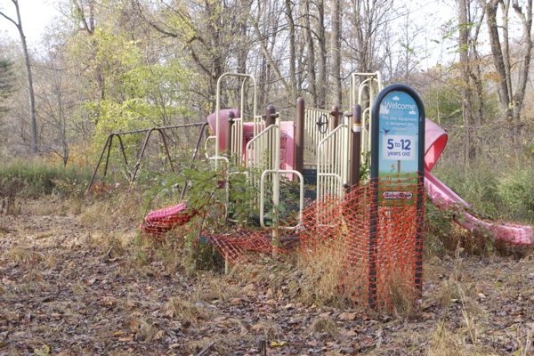 playground at Bulls Island SP - not safe, not accessible. Does Mr. Stiles bring his kids here? I have.