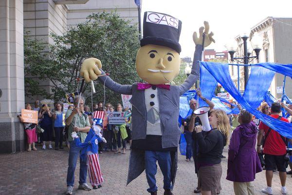 NY DEC Building protest, Albany NY (8/11/15)