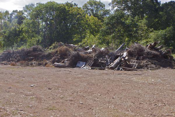 assorted commingled waste materials - no controls
