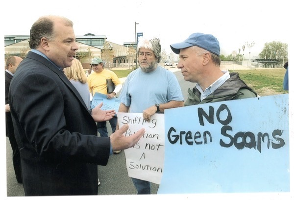yours truly (R) gets in Sweeney's face in his District (Earth Day, 2005)