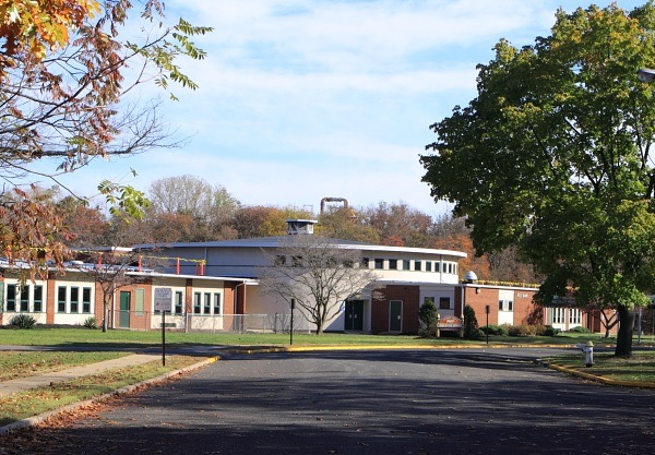 Red Bank Elementary School, nearby Eagle Point